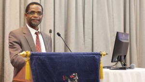 Prof Musingwini addressing SAIMM members in his capacity as the Honorary Treasurer at the SAIMM AGM held in August before being elected SAIMM President-Elect